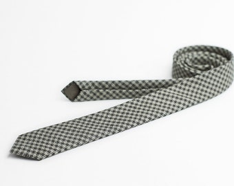 Houndstooth tie, skinny tie, in khaki and black