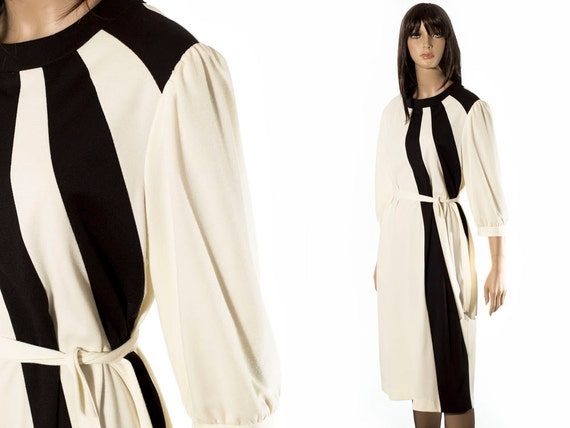 Vintage 1960s Off White and Black MOD Color Block Dress by Marty Gutmacher. Spring Summer frock