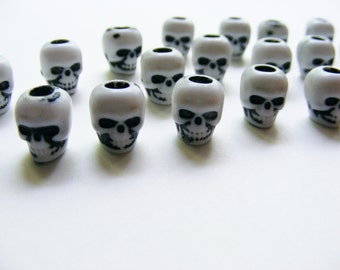 Set of 20 Spooky Skull Plastic Halloween Day of Dead Beads