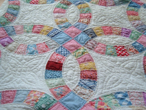 Vintage Handmade Double Wedding Ring Quilt