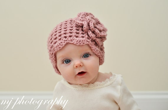 Light Pink  Mesh Scalloped Hat with light pink flower