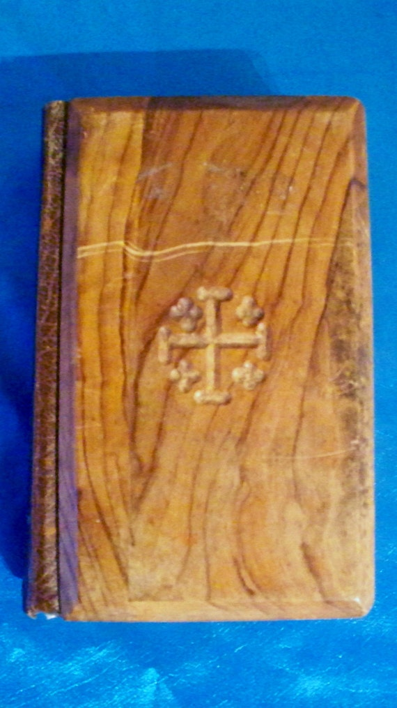 Vintage 1950 S Illustrated Holy Bible With Olive Wood