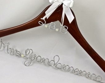 SALE Wedding Dress Hanger with Wedding Date Charm, Name Hanger, Bride Hanger, Wedding Gift, Wedding Party