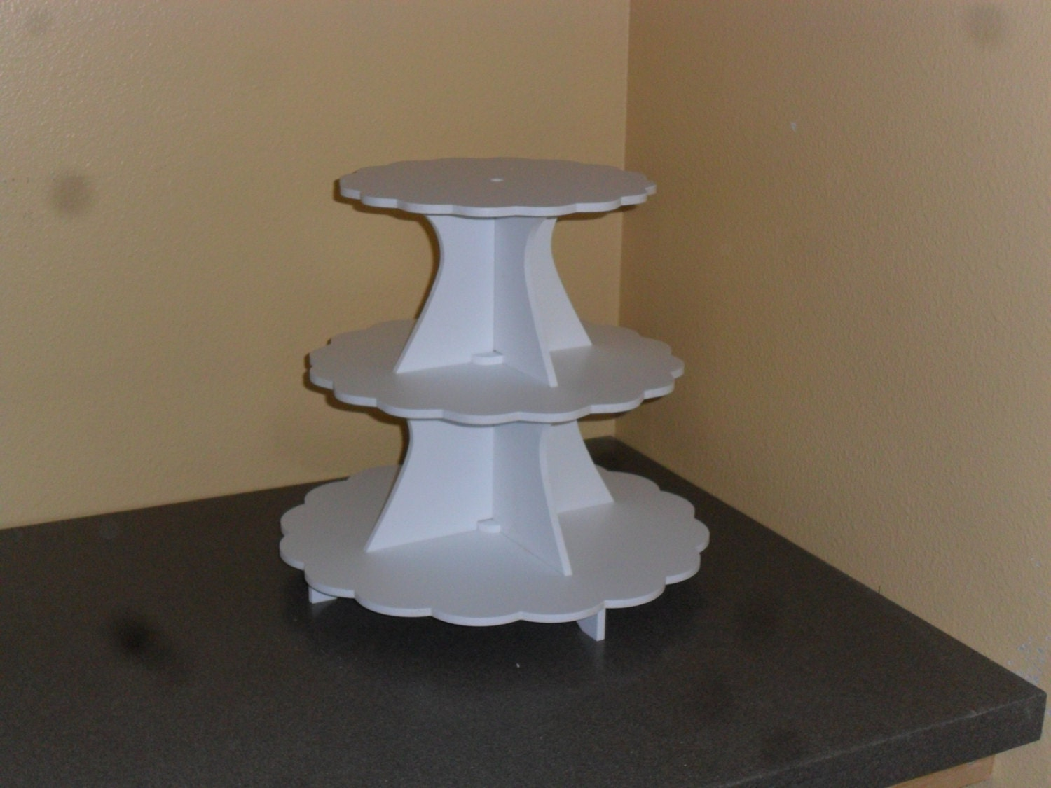 cupcake stand 3 tier scallop pvc 5 0 between tiers 11 13. Black Bedroom Furniture Sets. Home Design Ideas