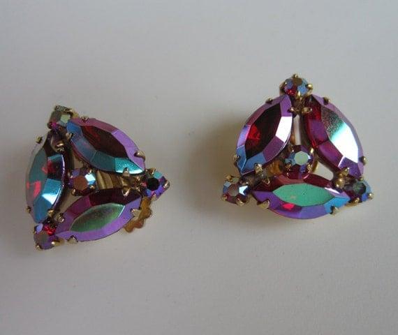 Vintage Red Rainbow Burst Aurora Borealis Super Sparkle Gold tone Clip on Earrings WOW