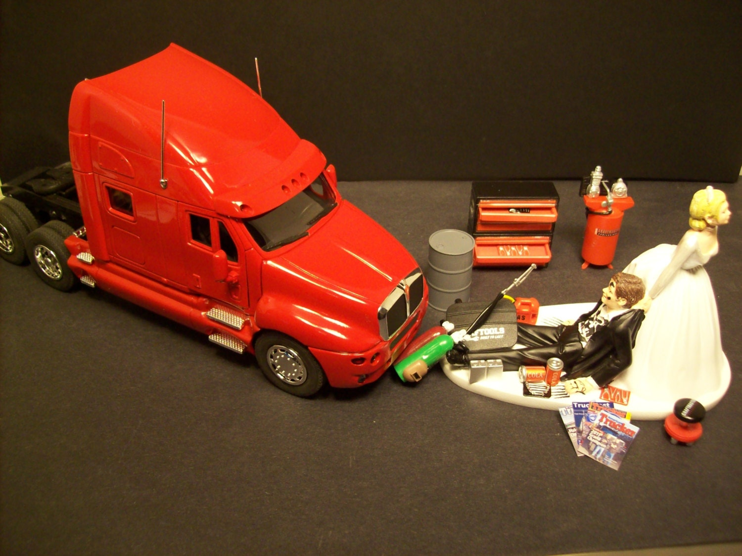 AUTO MECHANIC K&W Kenworth t 2000 Red Tractor Trailer by