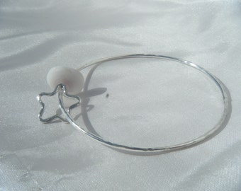Sterling silver star bangle with puka