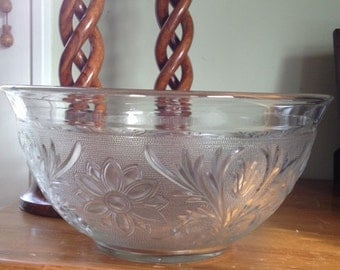 Vintage Clear Pressed Glass Bowl Perfect Condition