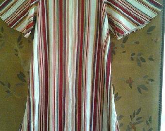 Stripey 1970s zip up dress with short batswing sleeves