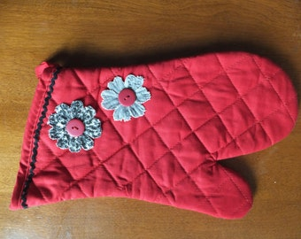 Red Oven Mitt with Hand Cut Black and White Flowers and Rickrack