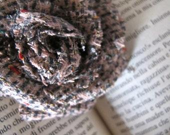Spilla in pannetto di lana