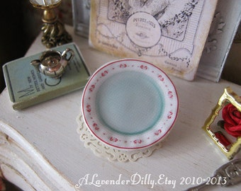 Sweet William Plate for Dollhouse