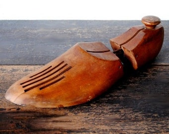 Vintage Industrial Wood Shoe Stretcher, Metal Hardware Adjustable Size 5-11