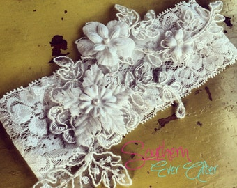 "Lace garter KEEPSAKE only the ""Clara"" / bridal garter/ lace garter / toss garter / vintage / Shabby Chic"