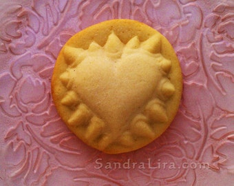 Valentine Heart Cookie Mold - 'Hurts So Good' - with Talons