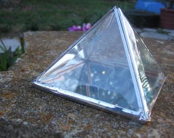 """6"""" Pyramid Charging Box"""