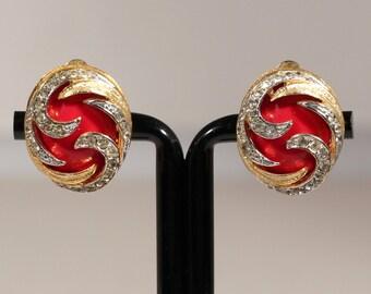 Vintage 80s Golden Earrings High Fashion Earrings Faceted Rhinestones Earrings Paste Clip on French Earrings