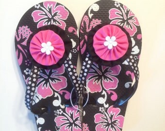 "Girls Black and Pink ""Justice"" Flip Flops in size 13/1"