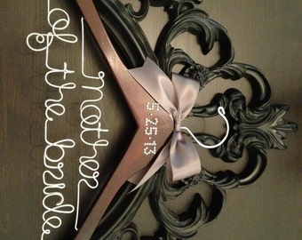 Mother of the Bride Wedding Hanger with CRYSTAL OR PEARL Wedding Date / Bridal Hanger / Personalized Hanger