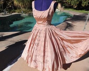 Vintage 1950s dress 50s pinup full fitted bombshell M/L metal zipper ballroom formal ball gown designer
