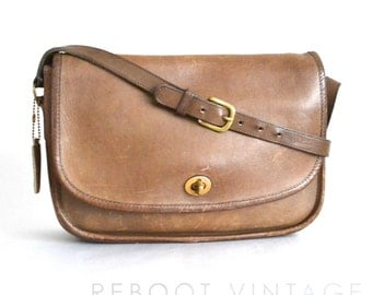 Vintage COACH NYC City Bag in British Tan 9790