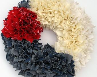 Red White and Blue Wreath -- Patriotic Wreath -- Fourth of July Wreath -- Door Wreath -- Summer Wreath -- Shabby Wreath -- American Wreath