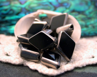 Black and Silver Glass Beads, Diamond Shape Beads, Black Glass Beads GB-013