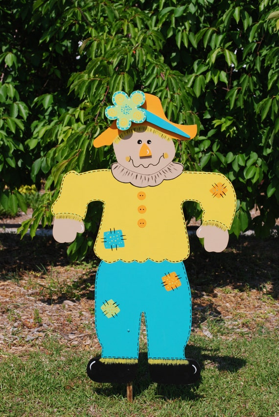 Items similar to Wooden Outdoor Scarecrow Decoration ...