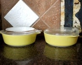 Pair of 1 Pint Pyrex Casserole Dishes with Lids