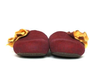 Felted slippers, woman houseshoes, Purple and yellow slippers for women, Mothers day gift for her, wool slippers, felt wool clogs, shoes