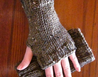 Wristlets Fingerless Mitts Hand Warmers - in the color Barley - brown tweed