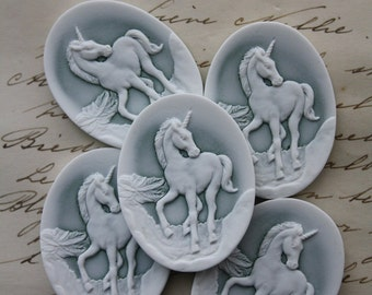 Unicorn Cameo cabs - 5 pieces  - Fantasy Magic Mythological - 40x30mm green white
