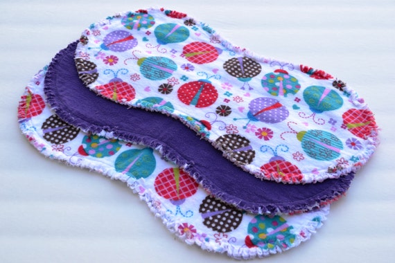 Baby girl burp cloth set of 3 : Flannel / Contoured / Baby burpcloths / Burp rags / burpclothes / burprags / ladybugs