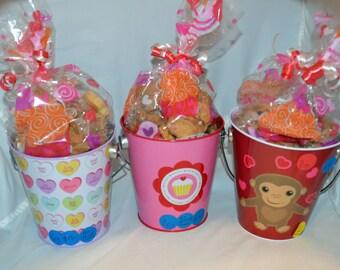 Valentines Day Bucket (40 ct)