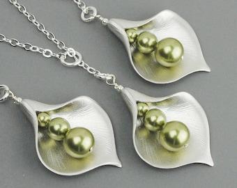 Pearl Wedding Jewelry SET OF 6 - 15% OFF Green Pearl Bridesmaid Necklaces - Swarovski Pearl Silver Calla Lily Necklace - Bridesmaid Jewelry