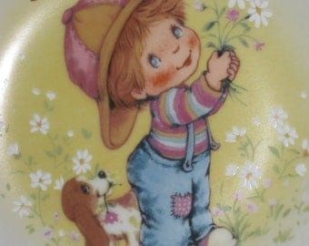 """Vintage Avon 1982 Mothers Day Plate """"Little Things"""""""