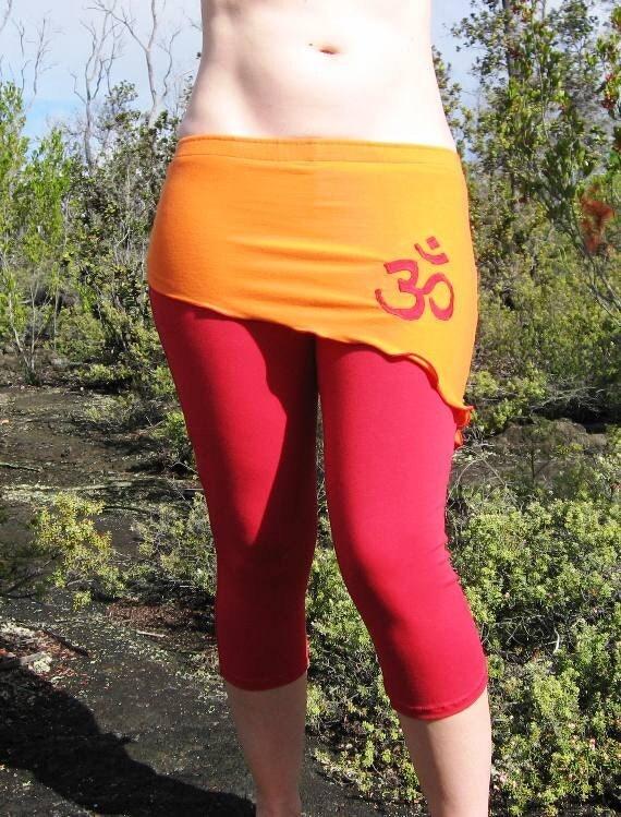 Small. Red Cotton Capri Yoga Pants with Cute Asymmetric Orange
