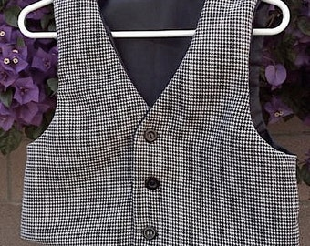 Blck and White Houndstooth little boys  VEST & BOW TIE,  wedding suits for little boys  sz 2-3yrs or 4-6yrs