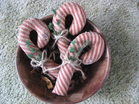 Prim Candy Canes, Handsewn, Jute, Pine/Berries, Striped