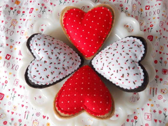 Valentine's Day: Set of 4 Tea Time Heart Felt Cookies in Red, Tea Party, Tea Time, Kids, Play Food