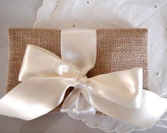 Wedding Gift Envelope Suggestions : ... gift ideas Foldover clutch purse Country wedding Rustic gift purse