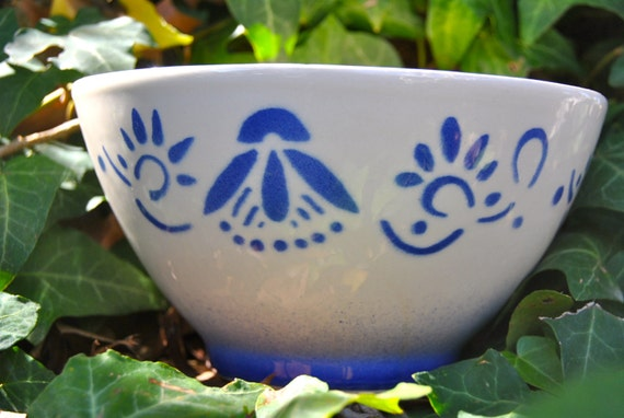 Cafe Au Lait Bowl from France by Luneville