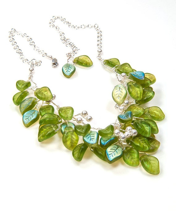Green Beaded Necklace, Green Leaf Necklace, Green Bib Necklace, Green Bridal Necklace, Green Nature Jewelry, Green Wedding Jewelry