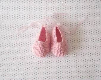 hand knitted baby shoes - booties - soft pink merino wool