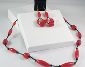 2 Piece Jewelry Set in Red and Black