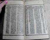 Traditional chinese medicine mini book 250-300 years old. Perfect for collectors and crafters. Rice paper