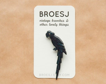 Black Parrot Brooch Glitter Eye Plastic Retro Brooch