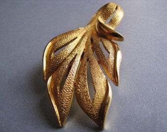 Vintage Goldtone Leaf Brooch - Vintage Leaf Pin - Unique Brooch - Statement Brooch - Retro Brooch - 1980s Leaf Brooch - Leaf Spring Pin