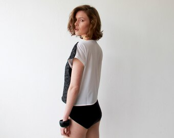 Front sequin Black and White sparkling top with short sleeves