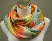 Light floral summer Loop / Circlescarf